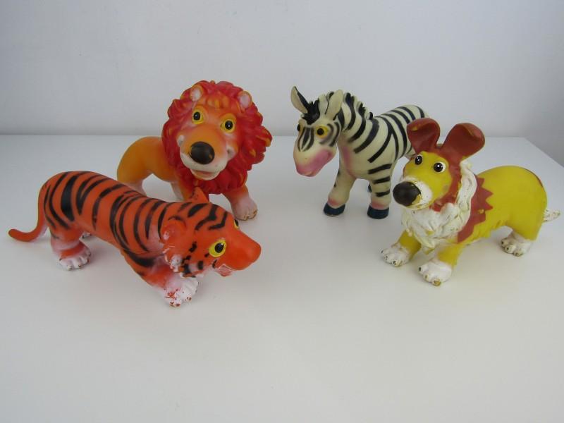 4 Speelgoed Dieren: Tijger, Zebra, Hond en Leeuw, Wing Crown, 2007