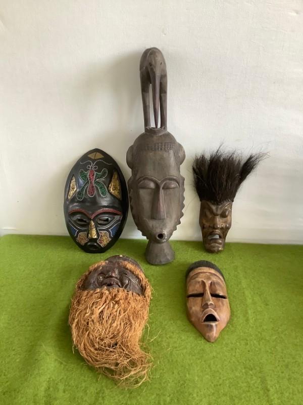 Lot van 5 decoratieve etnische maskers