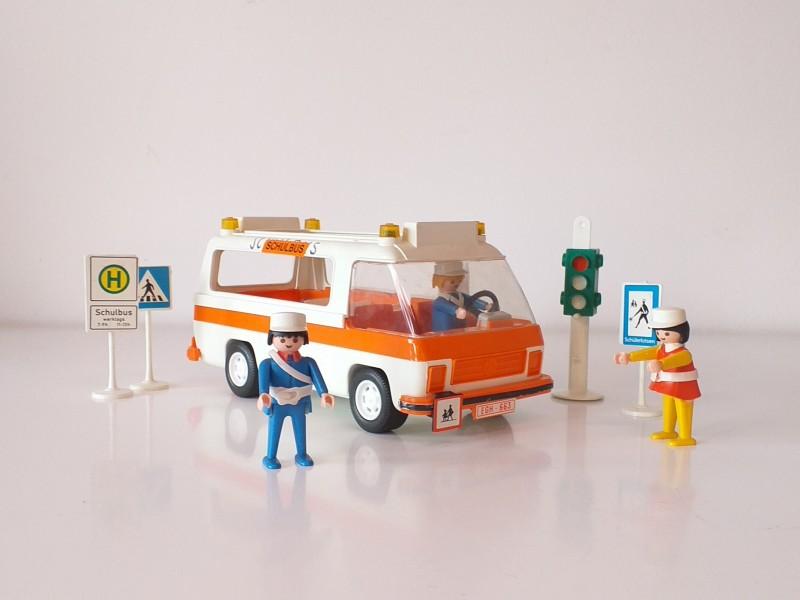 6 sets playmobile (schoolbus, filmset, allerlei)