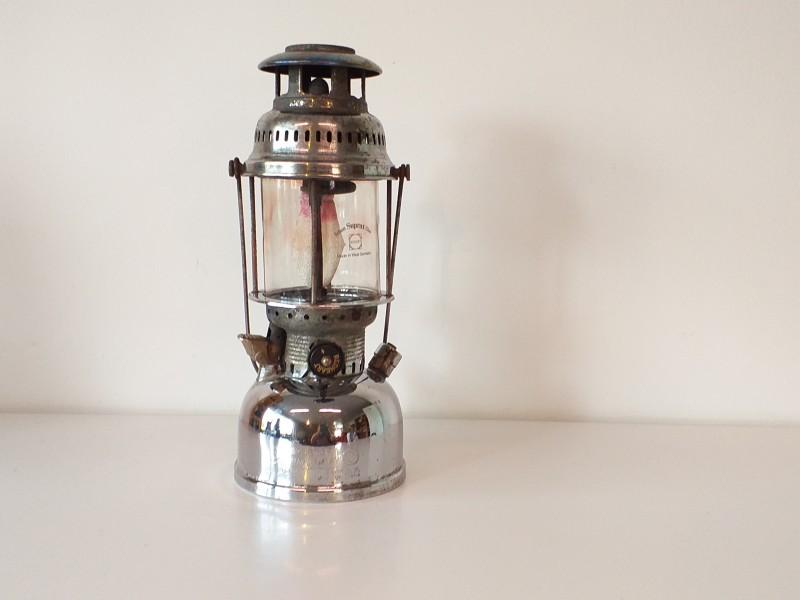 Antieke kampeerlamp