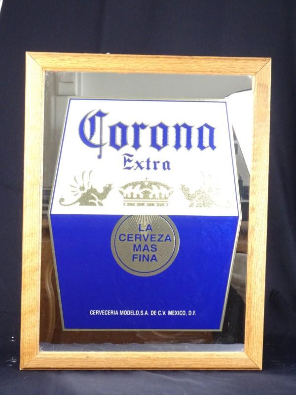 Bier reclame spiegel Corona Extra.