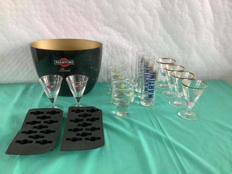 Lot van 17 items van het merk Martini
