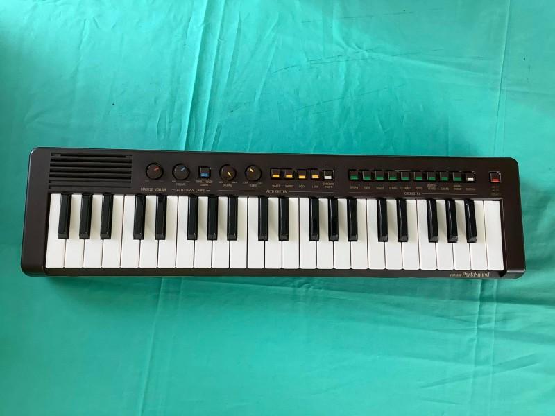 Jaren '80 Yamaha Portasound PS-3 keyboard