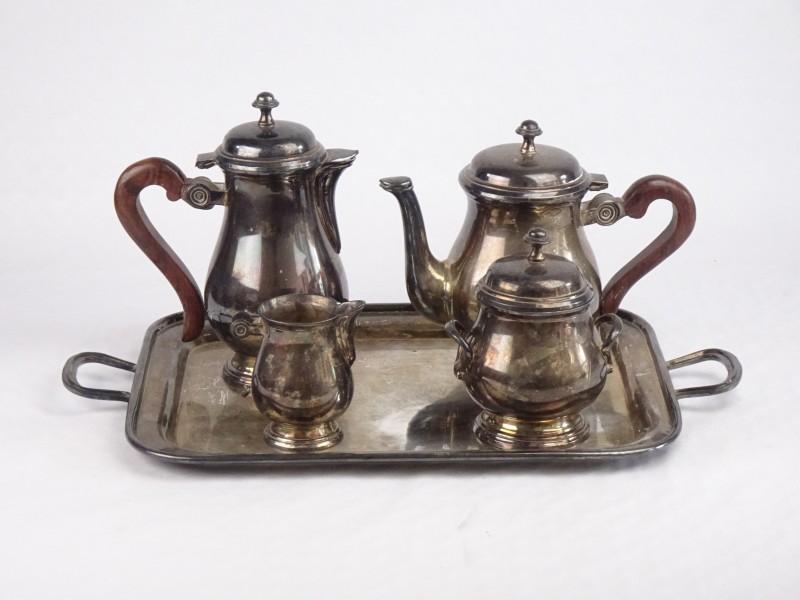 Claridge zilverkleurige thee-set.