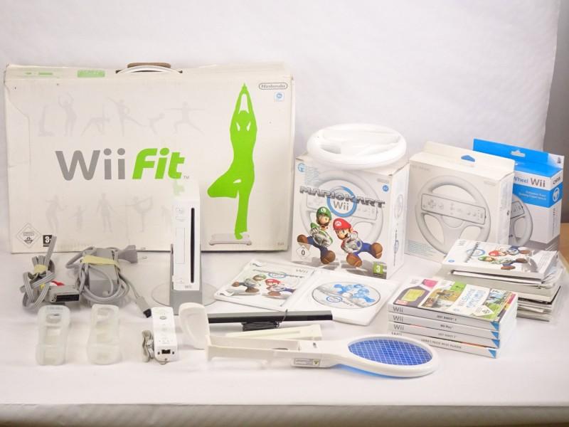 Groot lot Nintendo Wii console + Mario Kart Wii .