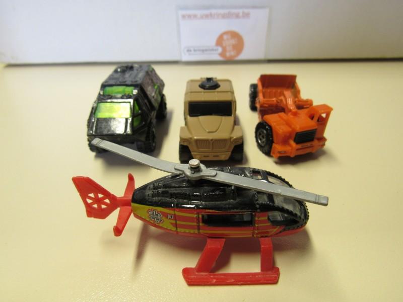 Lot van vier auto's - Matchbox - jaren 2000