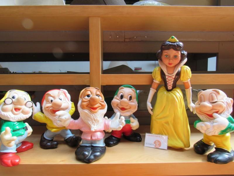 Sneeuwwitje en vijf dwergen, Walt Disney Productions, Made in Italy