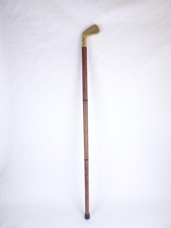 Festival wandelstok in de vorm van een golfclub. 85 á 90cm hoog.