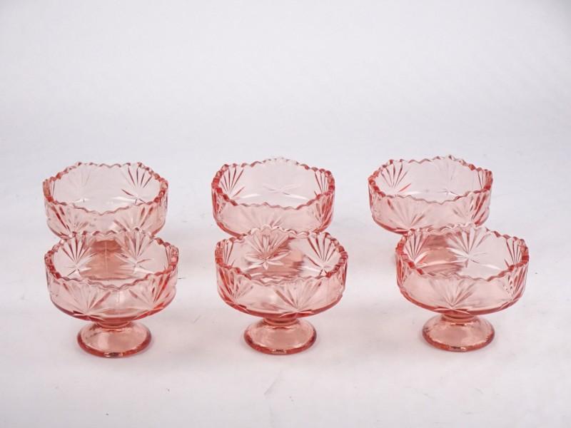 Set van 6 vintage rosaline dessertkommetjes.