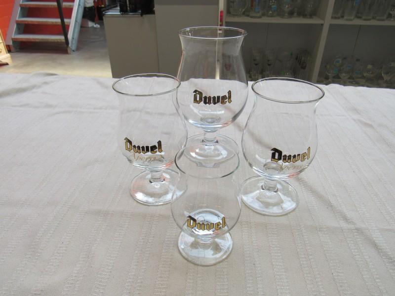 4 Duvel glazen