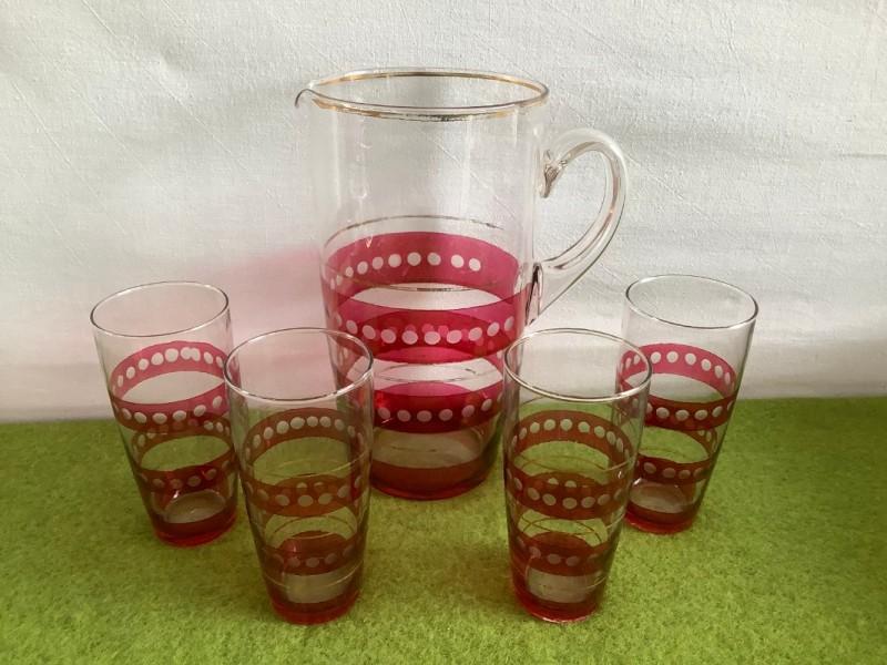 Vintage waterkan met 4 glazen