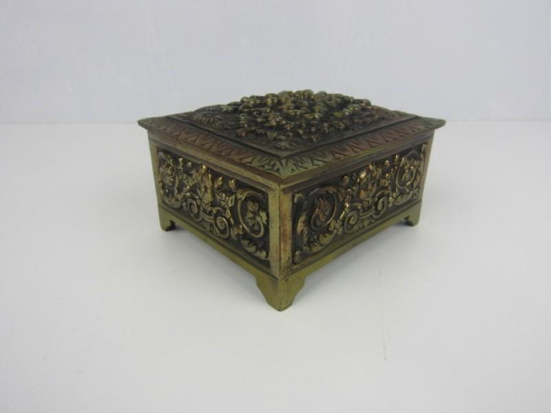 Antiek Sierlijk Koperen Juwelendoosje