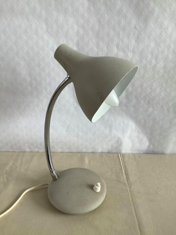 Wit retro bureaulampje