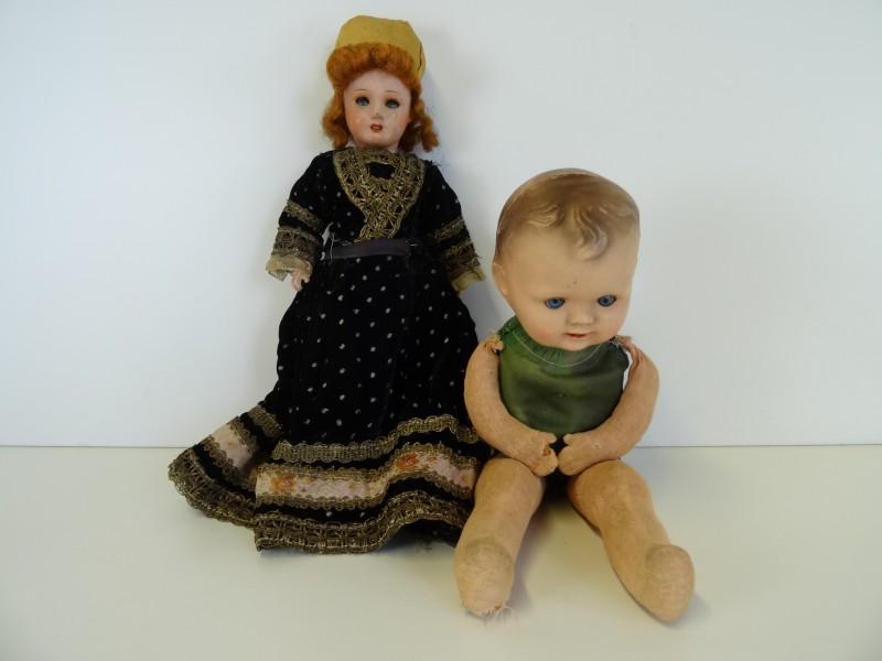 2 oude/antieke poppen
