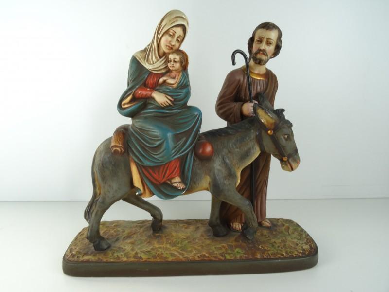 Gipsenbeeld van Maria-Jozef en kindje jezus