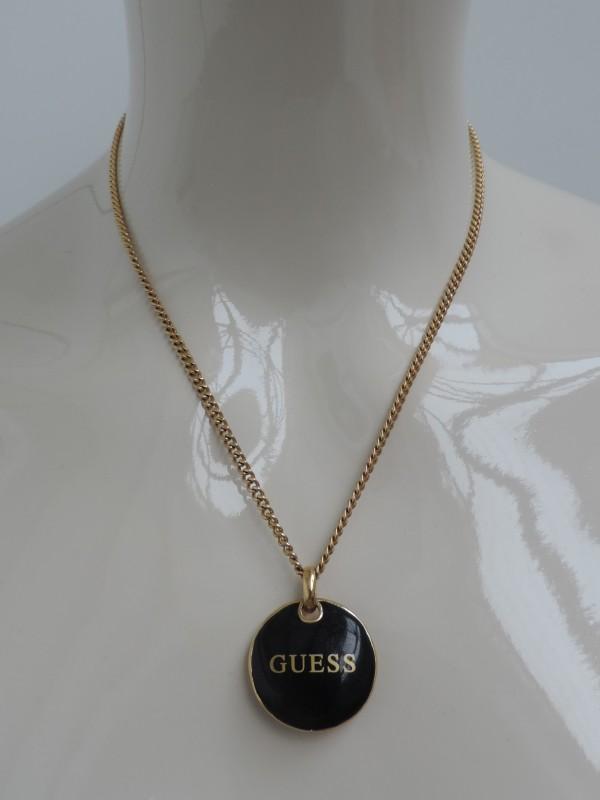 "Halskettinkje met medaillon getekend ""GUESS"""
