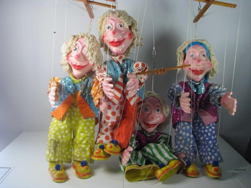 4 Handgemaakte carnaval poppen