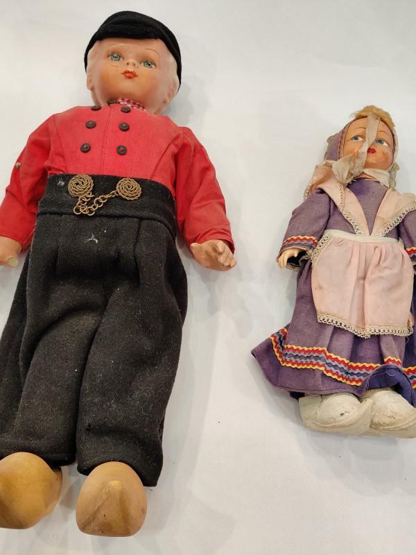2 Nederlandse poppen