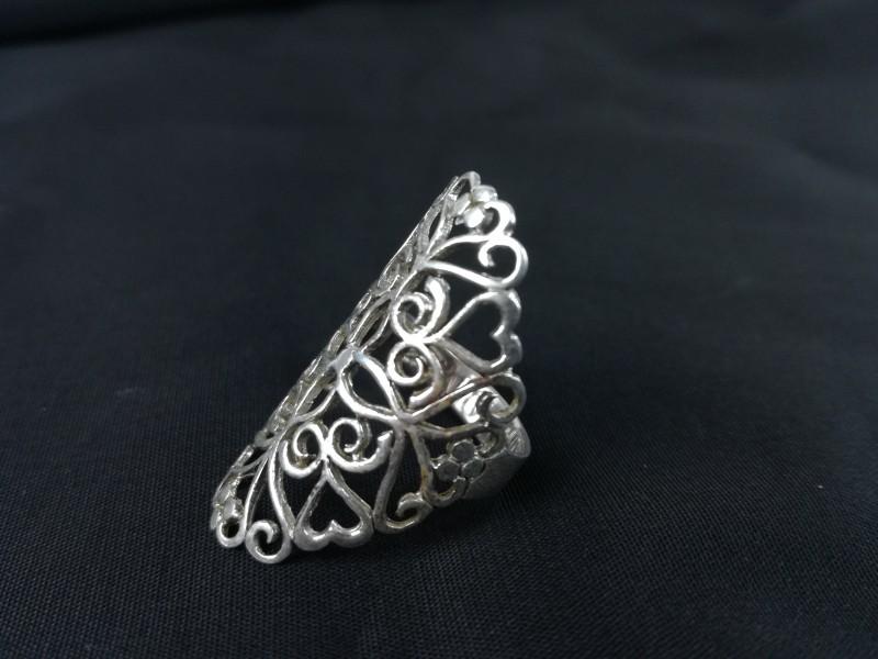 925 zilveren ring met bloemen en hartjes