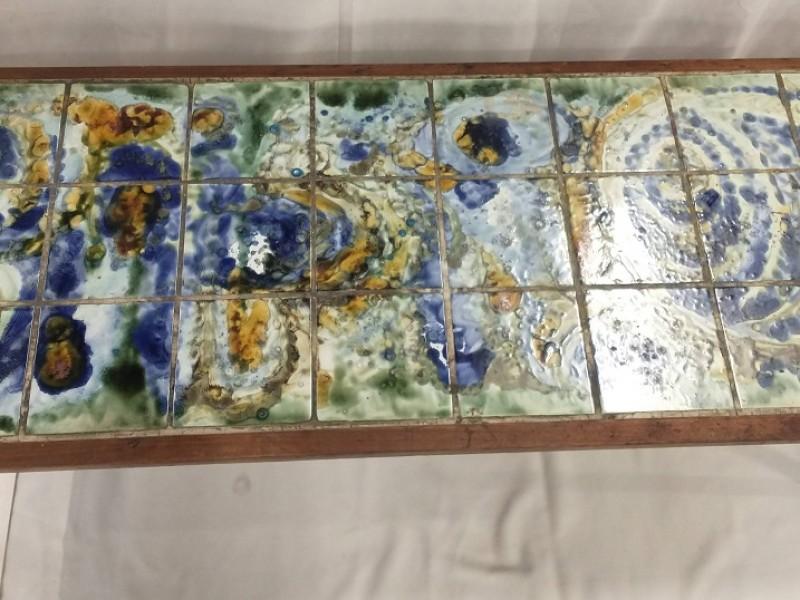 Retro salontafel met tegels