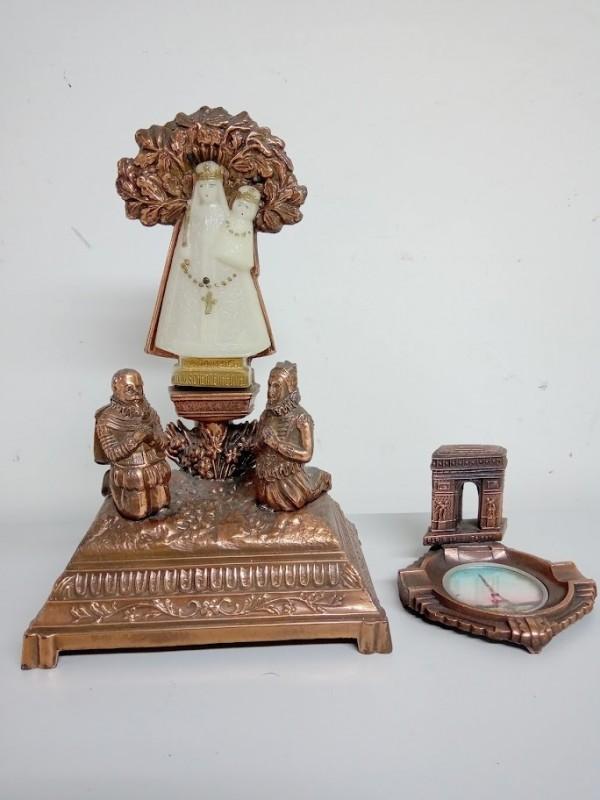 koperen Mariabeeld en asbakj