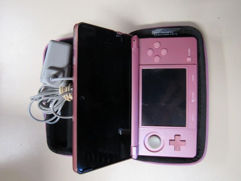 Roze Nintendo 3DS met opbergetui