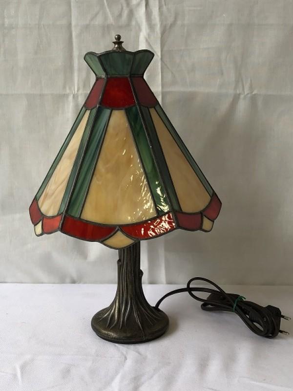 Kleine nachtlamp in Tiffany's stijl