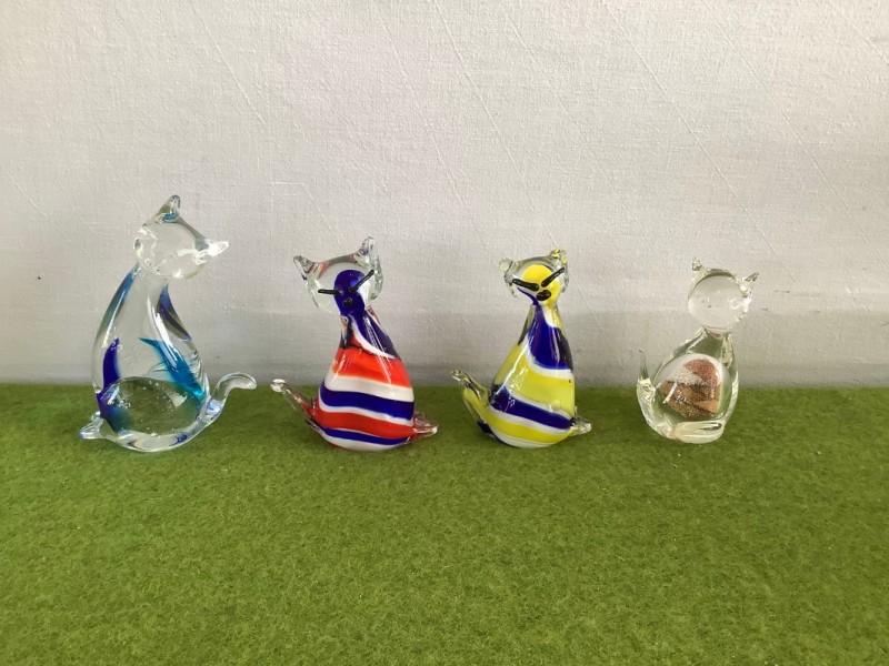 Lot van 4 glazen katten